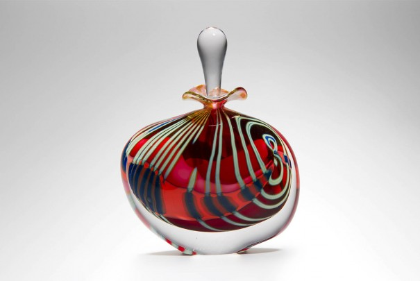 Pink Paradiso Wide Perfume Bottle Image