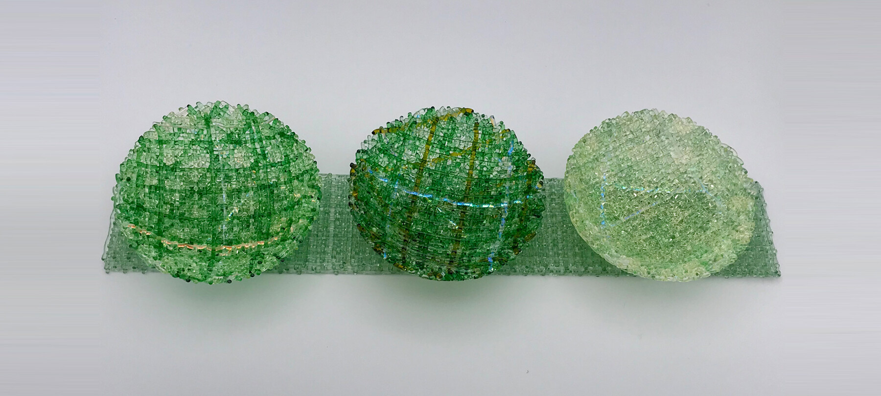 CSMDB03 – Mini Diorama Bowls on Bases (Light Green_Dark Green on Green) – Cathryn Shilling (front)