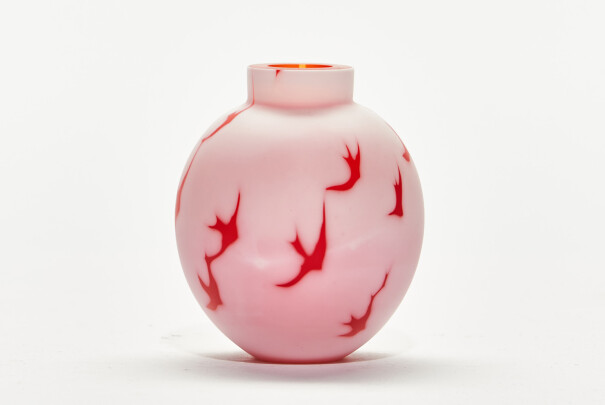 Small Red Cameo Vessel Image